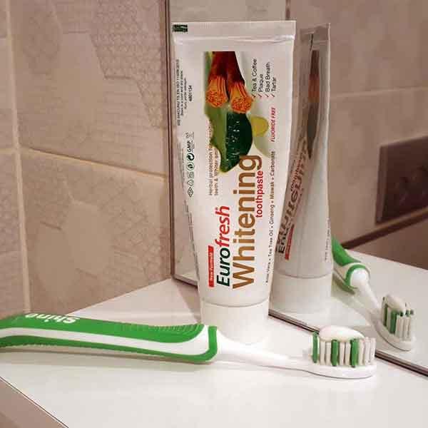 Farmasi Eurofresh Whitening Aloe Veralı Misvaklı Diş Macunu 4
